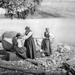 Parti fra Hardanger (Jenternes Pyntning ved Ankomsten til Kirken), 1870/71