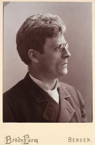 Portrett av Knud Hamsund. Foto: Brødrene Larm