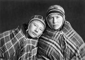 Anna Aslaksdatter Gaup, Anna Johnsdatter (Jonsdatter) Sernby (Somby). Fotograf Sophus Tromholt 1882/83 Foto: Sophus Tromholt